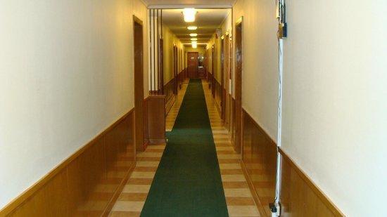 Mariner Motor Hotel: Hall