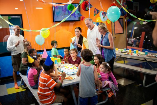 Take your birthday party to the sky at Sky Zone Kansas City!
