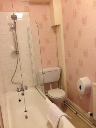 Min-y-mor Hotel: Bathroom