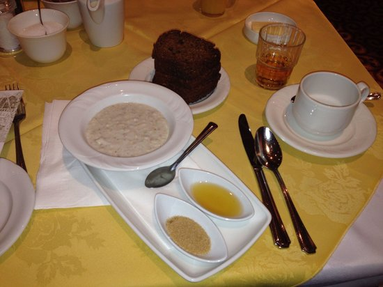 Hotel Westport: Porridge with tangy honey and brown sugar