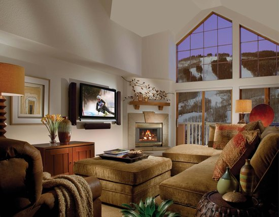 St James Livings Room - Picture of St. James Place, Beaver Creek ...