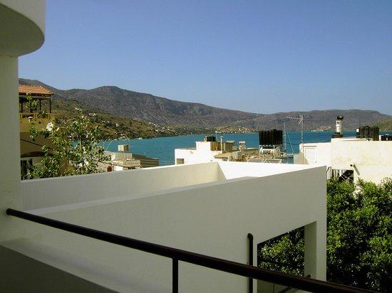 Markakis Apartments : Vue depuis la terrasse de l'appartement