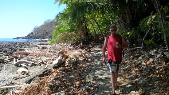 Agua Vista: Hike to Playa Grande