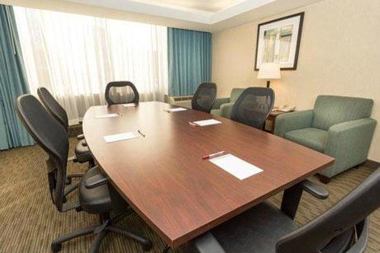 Drury Inn & Suites Detroit Troy: Meeting Room