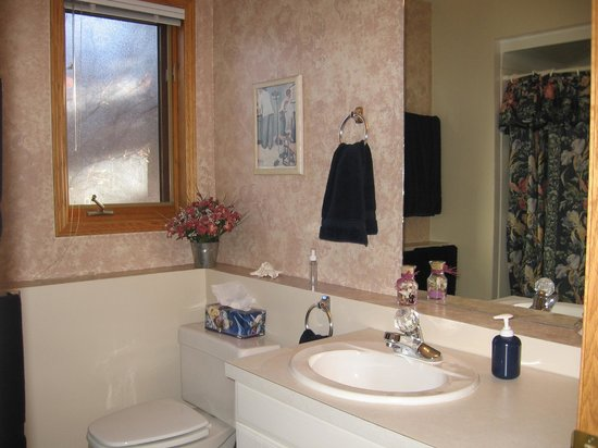 Homestead Bed & Breakfast: Private Ensuite Bathroom
