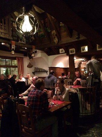 Ristorante La Dolce Vita: The restaurant is full