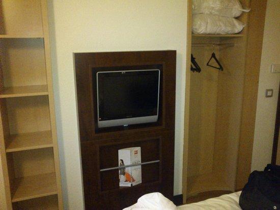 Hotel ibis Styles Paris Roissy Cdg : удобная мебель