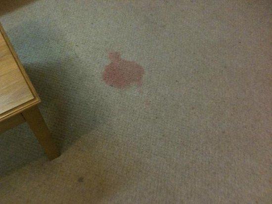International Hotel: Wine stains.... Maybe?