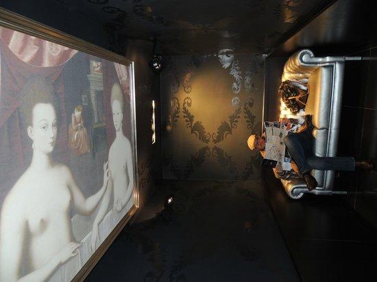 Sofitel Brussels Le Louise : Hall des toilettes