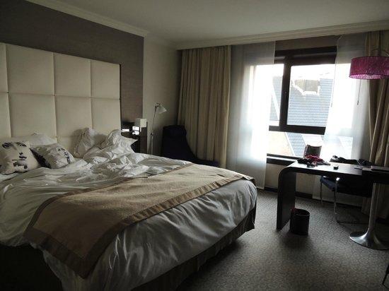Sofitel Brussels Le Louise : Vue de la chambre
