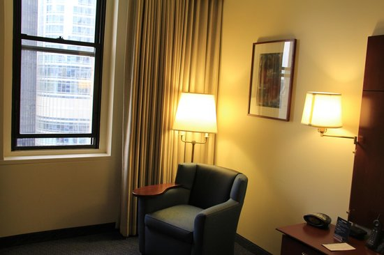 Club Quarters Hotel, Wacker at Michigan: Standard room