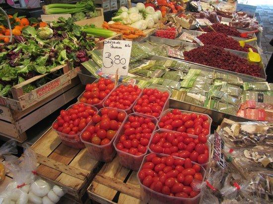 Mercado de Rialto: tomates cereja