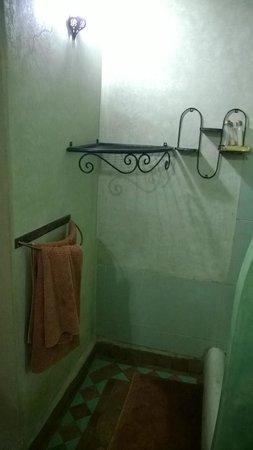 Riad Abaca Badra: Baño
