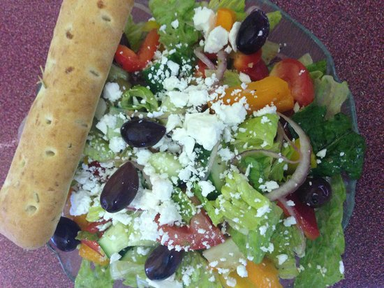 Lunch Bowl Cafe: Greek Salad with Rosemary & Seasalt Breadstick