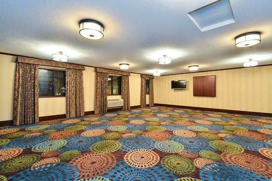 Holiday Inn Express Portland SE-Clackamas Area : MEETING SPACE