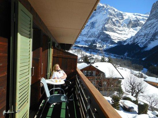 Hotel Kirchbuehl: Relaxen auf dem Balkon bei schönstem Wetter