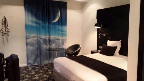 Comfort Hotel Centre Del Mon : Chambre
