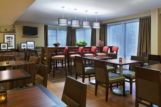 Hampton Inn Raleigh/Cary : Lobby Seating