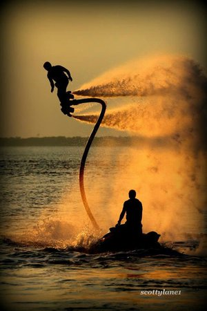 Power Up Watersports: sunset flyboarding