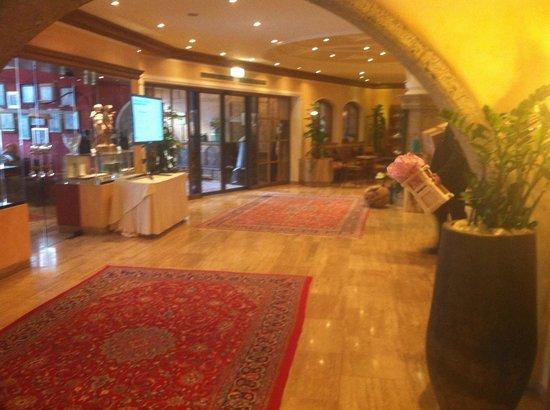 Das Central - Alpine . Luxury . Life: Lobby