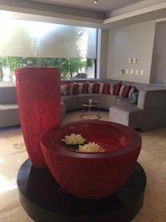 Temptation Cancun Resort.: Lobby