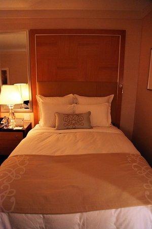 The Ritz-Carlton, Toronto: Comfortable Bed