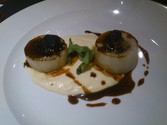 Hotel Exe Prisma: Falso tuétano con puré y caviar