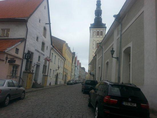 Knight House: Хостел находится на этой тихой улочке Старого города