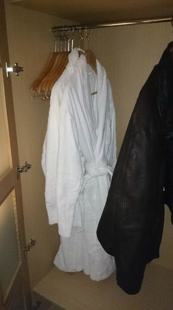 Hotel Son Caliu Spa Oasis: Two robes provided for the SPA