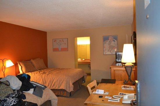 Sandpiper Lodge : Habitación con dos camas dobles