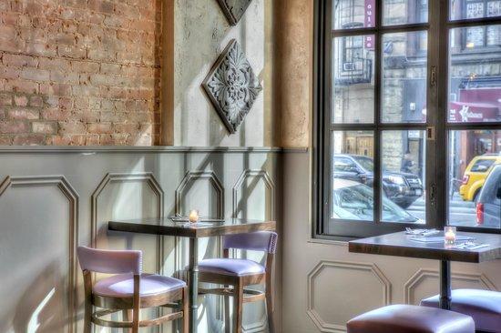 Ivy Bar & Grill