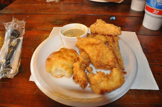Mildred's Chicken & Waffles: All drinks were 32 oz
