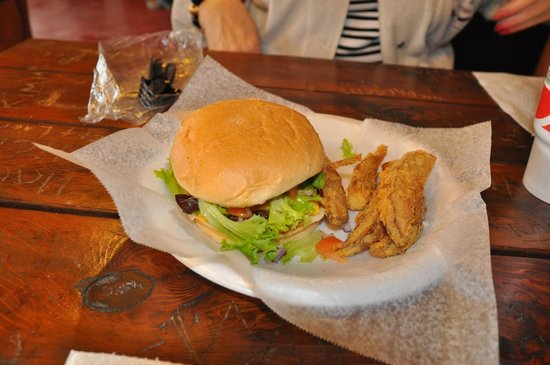 Mildred's Chicken & Waffles: Cheeseburger