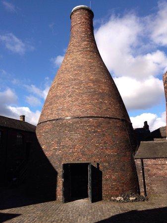 Gladstone Pottery Museum : Bottle kiln