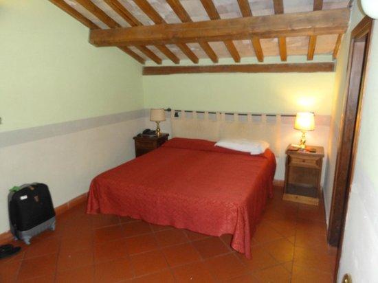 Domus Sessoriana Hotel: cama