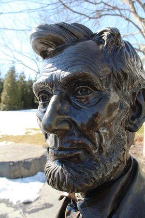 Centro de Visitantes y Museo Gettisburg: Lincoln Statue out front