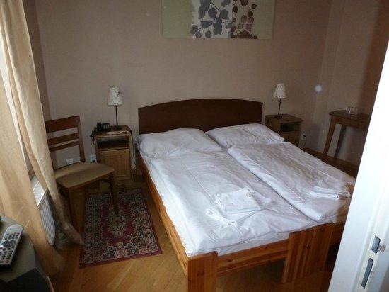 Hotel Venezia: Our Cosy Bed