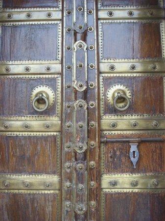Royal Heritage Haveli : Dorr to room 102