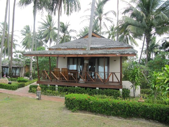 Lipa Lodge Beach Resort : individual bungalow