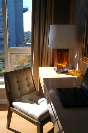 Hyatt Regency Pune: i love that lamp