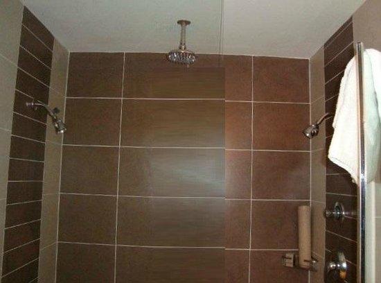Hard Rock Hotel & Casino Biloxi : Luxury three head shower, with seating.