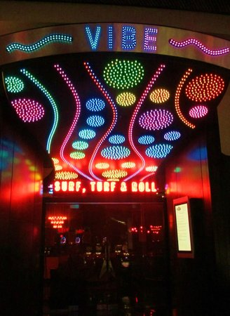 Hard Rock Hotel & Casino Biloxi : Vibe - Surf, Turf & Roll