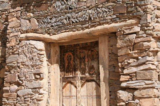 Tizourgane Kasbah: Traditional craftsmanship