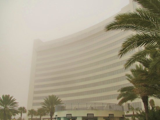 Hard Rock Hotel & Casino Biloxi : Platinum Tower - in the fog. Balconies on the top and lower levels. Newly Opened.