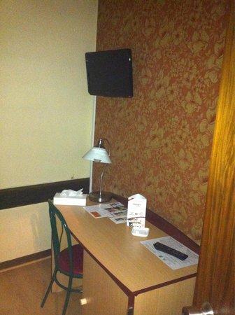 Hotel Saint-Hubert: Chambre 301