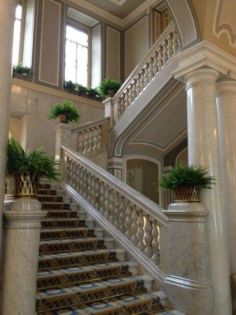 Villa d'Este : grand staircase