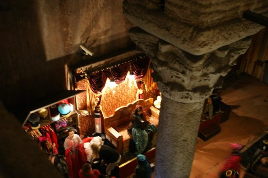 Cisterna Basilica (Versunkener Palast): The scene where you can dress up and get your picture clicked