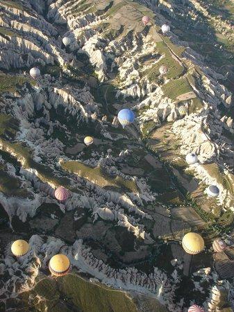 Kapadokya Balloons : Kapadokya valley and colorful balloons