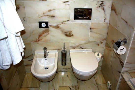 Quinta Mirabela: Servicios en baño de nuestra habitación