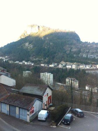 Hotel Saint-Hubert: Vue de la chambre 301